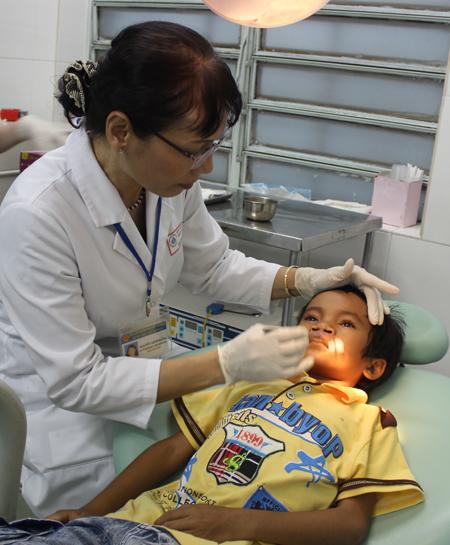Chăm sóc bệnh nhi sau mổ sứt môi, hở vòm